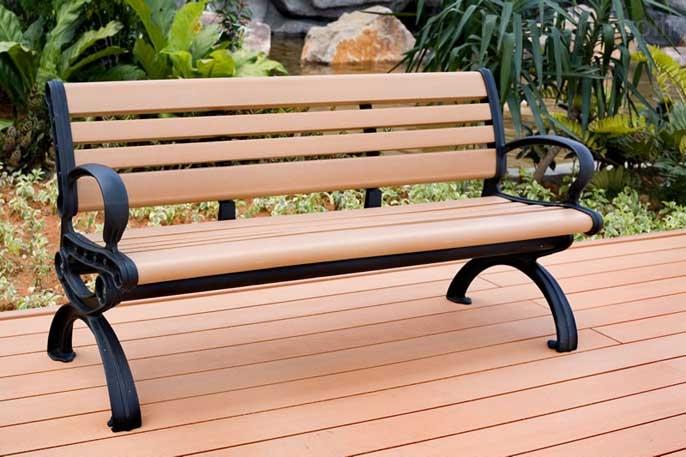 摘要:园林铁质座椅是放置在户外供路人休息的一种产品,多用于公园.