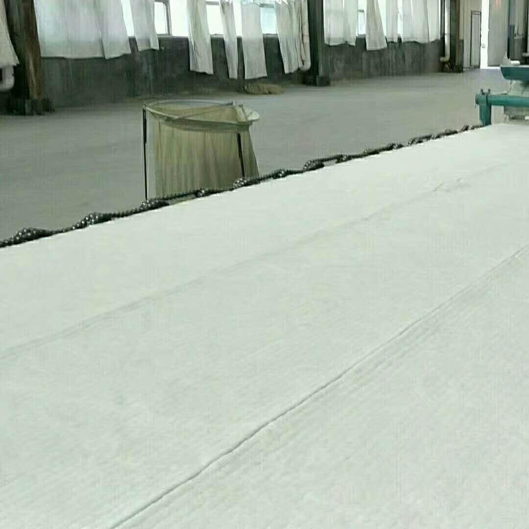 厂家批发-硅酸铝针刺毯卷毡
