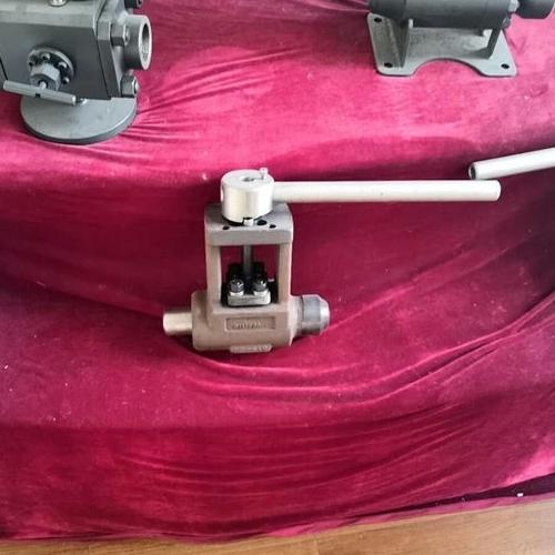高压焊接球阀Q61Y-320