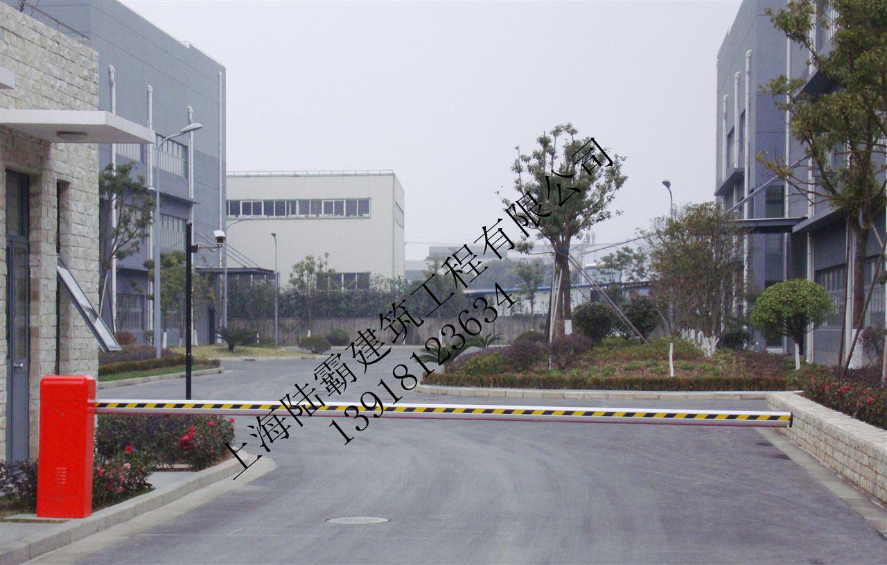 火车站及飞机场等公共停车场