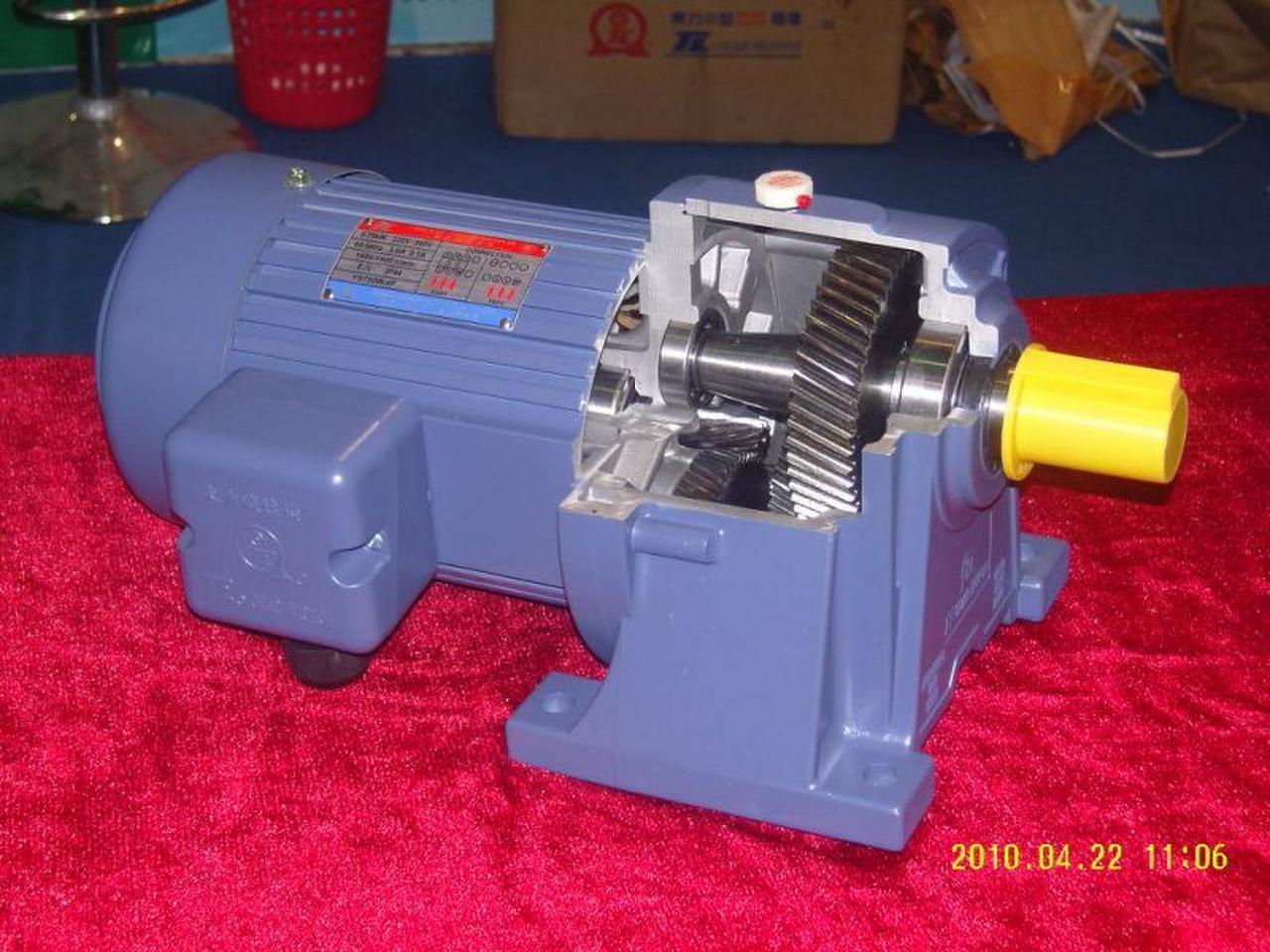 东力马达卧式pl型齿轮减速电机 电机功率 400w(1/2hp) 输入电压 单相