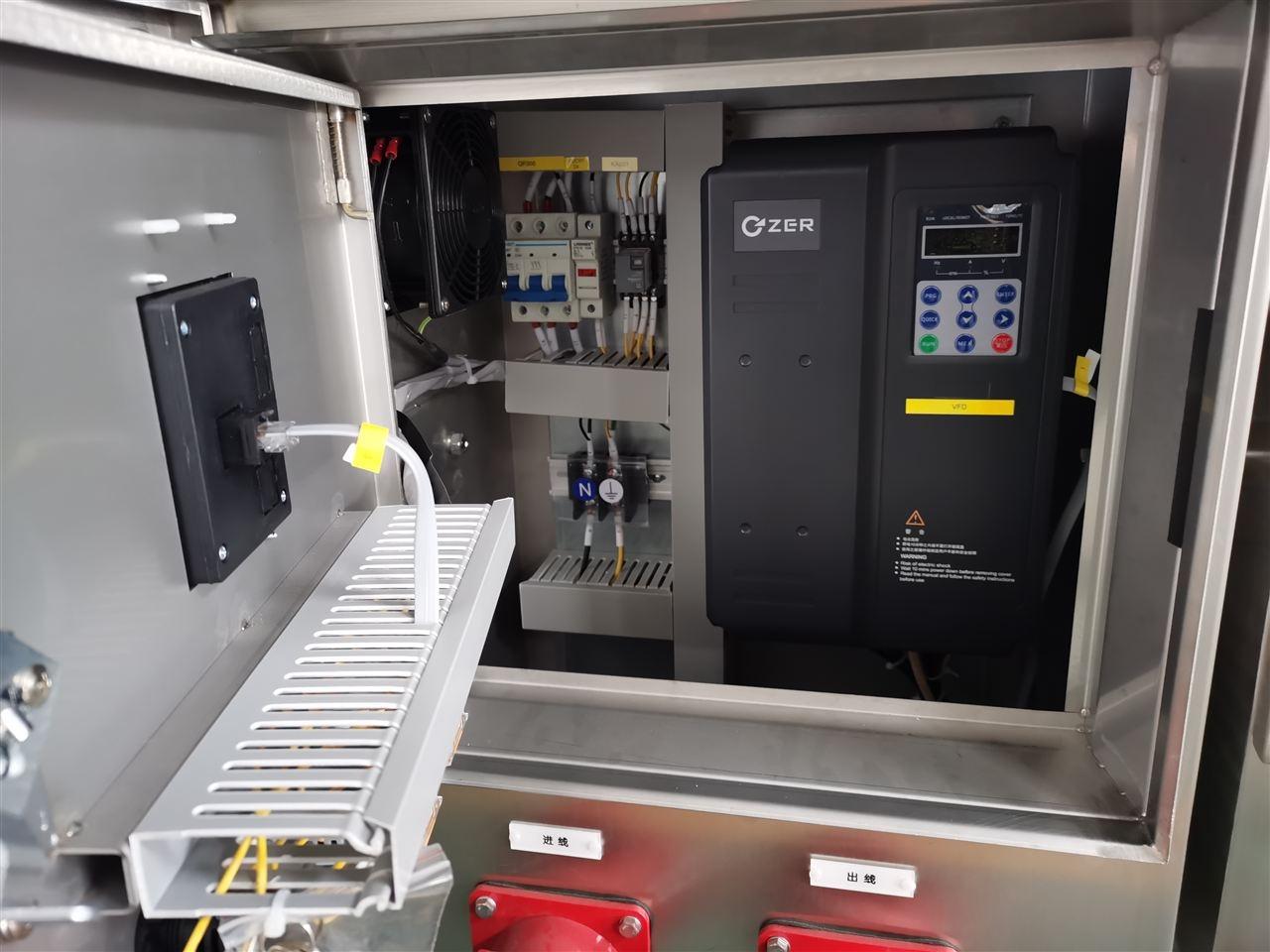 便携式潜水泵控制柜照片